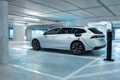 PEUGEOT 508PHEV invest in new technology