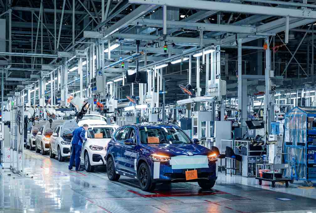 BMW ix3 undergoing pre production