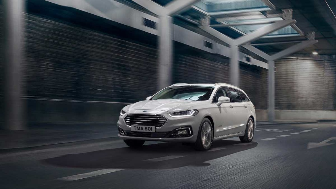 2019 Ford Mondeo Hybrid action picture