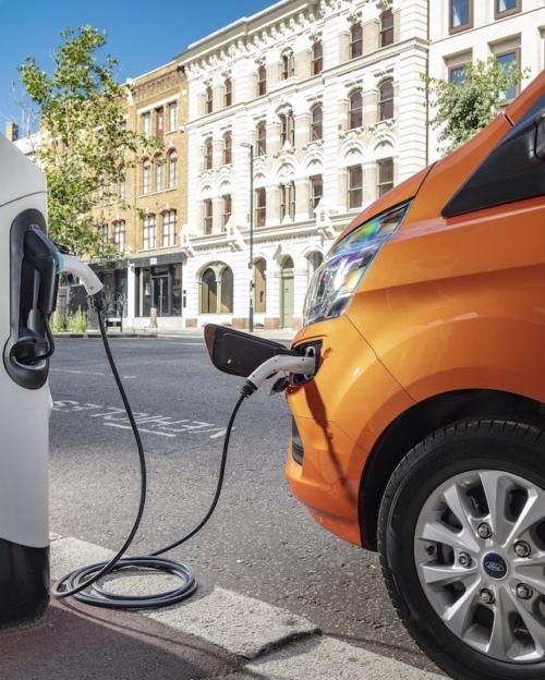 Ford Transit Custom PHEV charging up
