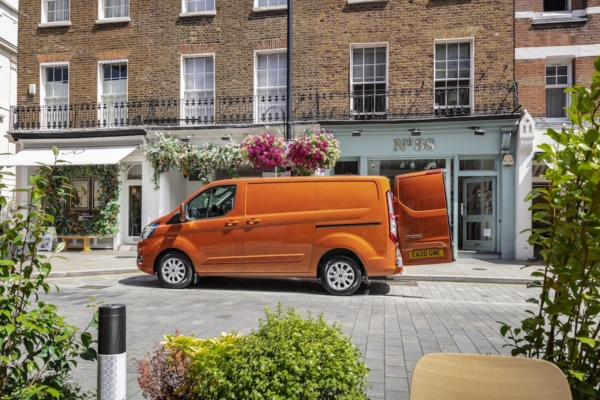 Ford Transit Custom PHEV urban delivery