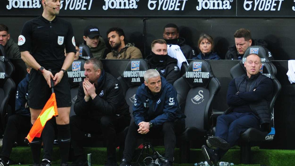 Low Cost Vans sponsors Swansea City dugout seats