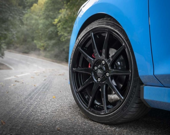 Rivervale 600 fleet management deal Image of Ford Fiesta ST Edition wheel