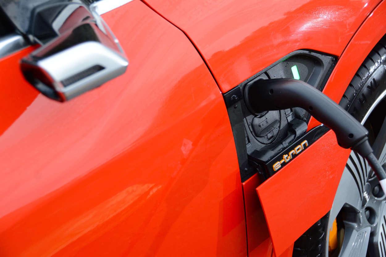 Over 200000 EVs to hit UK roads in 2021 1
