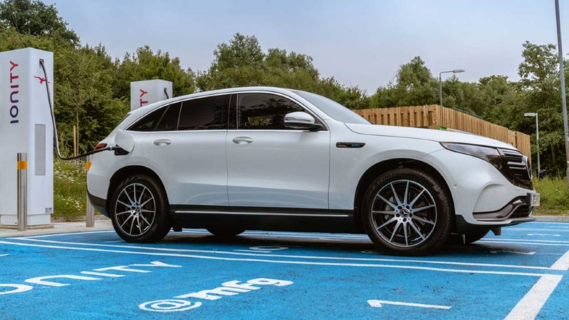 Mercedes Benz EQC plug in at Ionity charger
